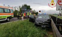 Schianto sull'A22: auto contro il guardrail, autista intrappolato nelle lamiere