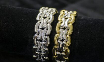 Furto da 7mila euro in gioielleria: via con un rotolo di braccialetti