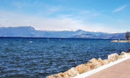 Tragedia sul Lago di Garda: a 20 anni si tuffa in acqua ma non riemerge