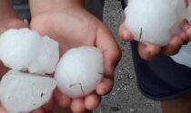 Nel Mantovano piovono arance di ghiaccio: vetri distrutti e auto ammaccate