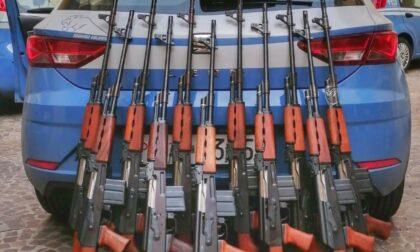 Controlli su porto d'armi: sequestrati 42 fucili, 14 pistole e una bomba a mano