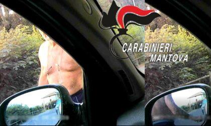 Vicino di casa sfregiatore recidivo di auto incastrato da una telecamera