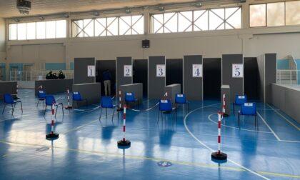 Dopo l'attacco vandalico e lo stop forzato di ieri, oggi l'hub vaccinale di Castiglione torna operativo