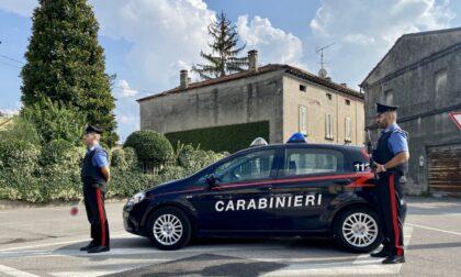 """La chiamata ai Carabinieri: """"Aiuto, mi tengono prigioniera in casa. Liberatemi"""""""